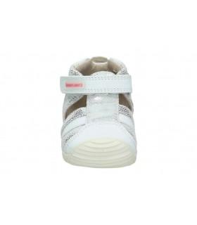 Zapatos para niña planos xti 56742 en blanco