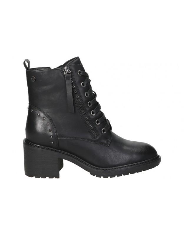 Botines not assigned de moda joven xti 44339 color negro
