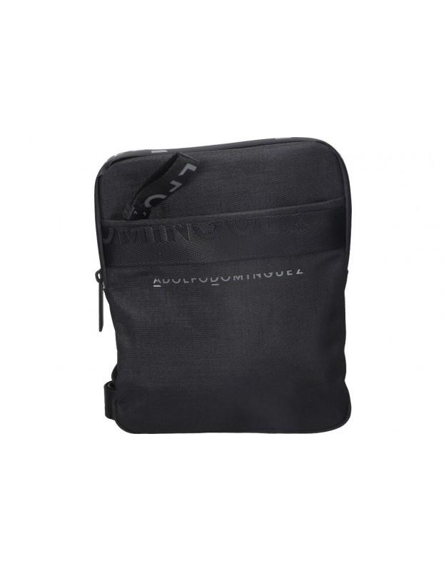 Bolsos para caballero adolfo dominguez olx8303 en negro. Med: 20cm anch x 25cm alt x 5cm fnd