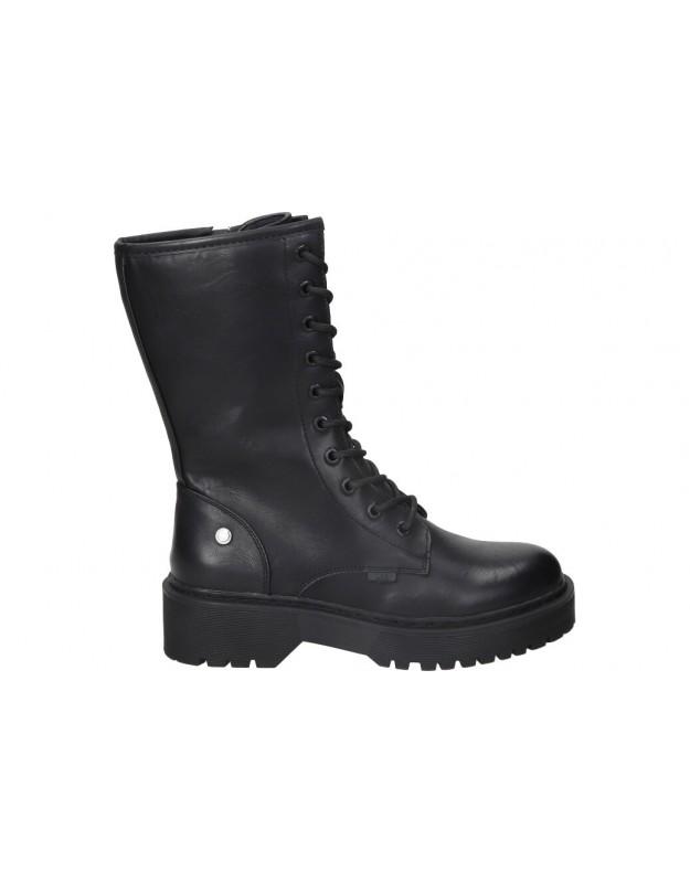 Botines para moda joven planos xti 43483 en negro